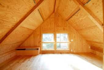 屋根裏部屋の西側2
